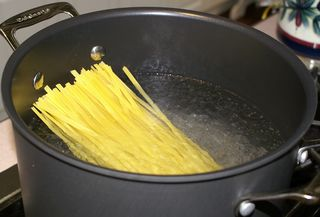 Fettuccine Alfredo #6 (Cooking the Fettuccine)