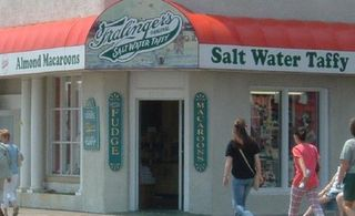 931120-Fralingers_salt_water_taffy_shop_Ocean_City