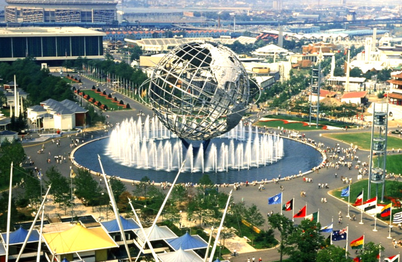 New_York_Worlds_Fair_August_1964-1024x667