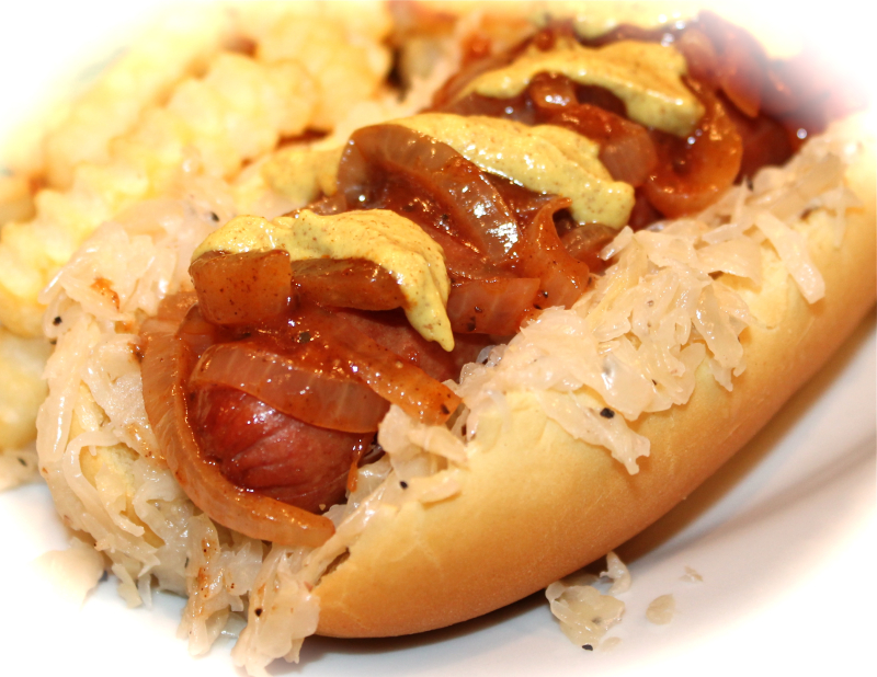 hot dog with saurkraut